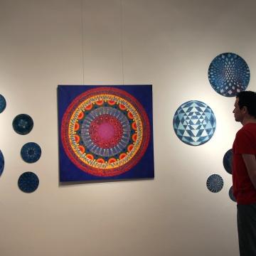 Mandala Harmonii Czakr, 2017, 100x100cm, akryl na płótnie.